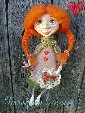 """""""Добруша"""" Рыжая девчушка, с зелеными,глазами.Удивительно добрый и ласковый ангелочек. Собирательница солнечных лучиков. Вестница яркого и теплого солнышка. 25 см. фото 2"""