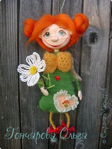 Здравствуйте, мои милые девочки! Так рада вам всем! Спасибо что ждали и не забывали меня! Я вся была в творчестве! За это время много чего натворилось! С  удовольствием с вами поделюся новыми своими работами. Ангелочек ромашковый, добрая и ласковая девчушка. Любительница цветов,особенно ромашек. Напомнит вам о приближение лета , даря вам свою улыбочку и хорошее настроение! 27 см. фото 6