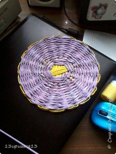 Решила сделать свою первую чашку конфетницу. Не знаю как получилось , но я старалась .Такая плетеная чашка-конфетница из бумажной лозы станет оригинальным украшением вашего стола и удивит гостей. А также ее можно использовать как заготовку для топиария или подарить как памятный сувенир. фото 9