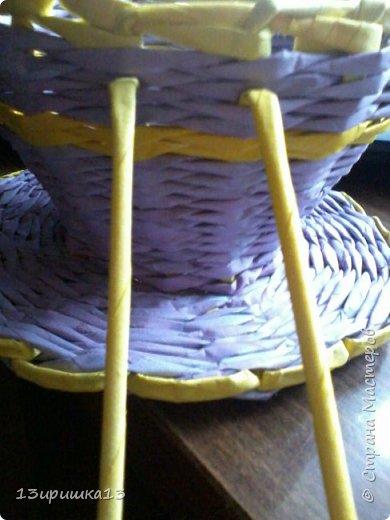 Решила сделать свою первую чашку конфетницу. Не знаю как получилось , но я старалась .Такая плетеная чашка-конфетница из бумажной лозы станет оригинальным украшением вашего стола и удивит гостей. А также ее можно использовать как заготовку для топиария или подарить как памятный сувенир. фото 15