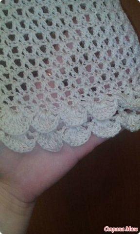 Платье начала вязать еще осенью, но не хватило ниток  А нитки такой расцветки никак не могла найти. Нашла недавно совсем, а при вязании оказалось, что они светлее  Хотела связать в пол, примерила и передумала  Вязала на 42 размер, нитки Камтекс мерсеризованный хлопок 50гр. - 200м, крючок 2-2,5 Сколько ушло ниток на платье даже не скажу точно, т. к. сначала использовала остатки от кардигана   фото 2