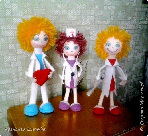 Вот такие куколки получились к дню медработника,так как я сама медработник,мне эта тема близка фото 1