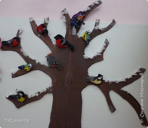Ещё зимой наваляла всяких птичек. И принесла их конечно своим Радужкам - детям моей разновозрастной группы.  Им очень понравилось держать в руках тех кто прилетает к ним на участок подкормиться, но близко не подпускает)) фото 12