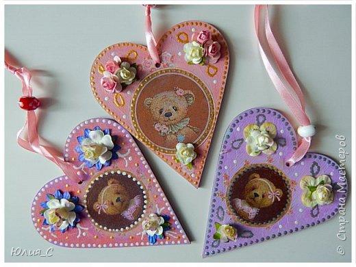 Панно с мишкой для декора детской, декупаж...фон тонировала акрилом, добавила цветы и бусины.. фото 3