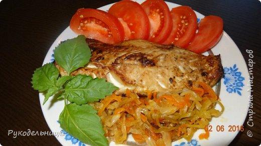 Добрый вечер жители СМ. Вчера была на ужин запеченная скумбрия, захотелось чего-нибудь лёгкого. Выставляю, потому что здесь необычный маринад для рыбы. После маринования рыбу можно пожарить, но люблю больше запеченную, поэтому готовила её с овощами(есть такой рецепт у меня с судаком), да и полезнее так. фото 1