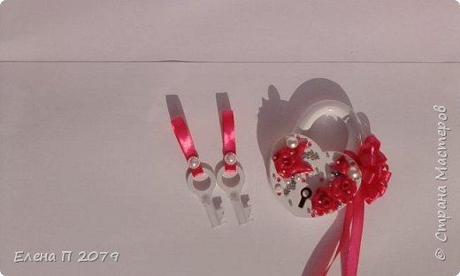 Всем доброго времени суток! Вот такой свадебный наборчик сделала на свадьбу сестре. Свадьба в малиново-серых оттенках. Делала впервые, но думаю все получилось.  Главное, сестра в полном восторге. фото 2