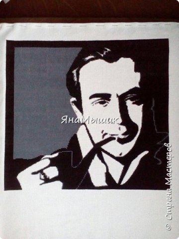 Сегодня у моей мамочки День рождения! В этом году подарок особенный - это портрет ее любимого героя, Шерлока Холмса в исполнении Василия Ливанова, вышитый крестиком.   фото 7