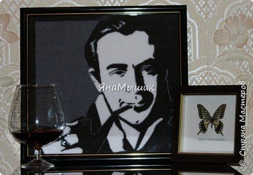 Сегодня у моей мамочки День рождения! В этом году подарок особенный - это портрет ее любимого героя, Шерлока Холмса в исполнении Василия Ливанова, вышитый крестиком.   фото 8