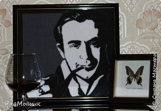 Сегодня у моей мамочки День рождения! В этом году подарок особенный - это портрет ее любимого героя, Шерлока Холмса в исполнении Василия Ливанова, вышитый крестиком.   фото 1