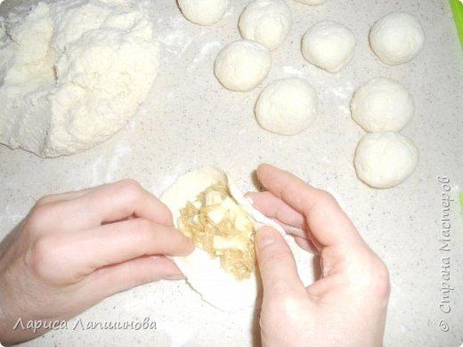 Привет всем!  Сегодня мы будем готовить вкусные пирожки из творожного теста.  Преимущество такого теста, что оно легкое, почти без муки. фото 10