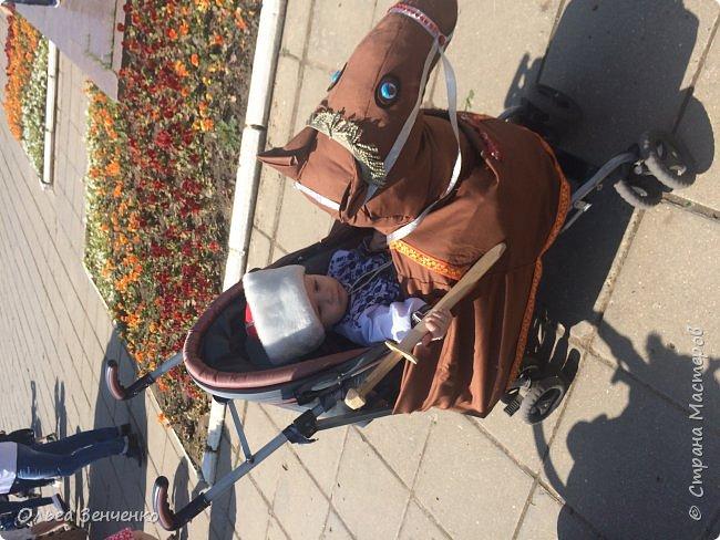 Парад колясок в г.Одинцово. Потомственный казак Олег на своём коне. Ни один приз мы , конечно, не получили. Но главное, куча положительных эмоций, восторг и восхищение окружающих - вот главная награда!!! Спасибо всем! фото 3