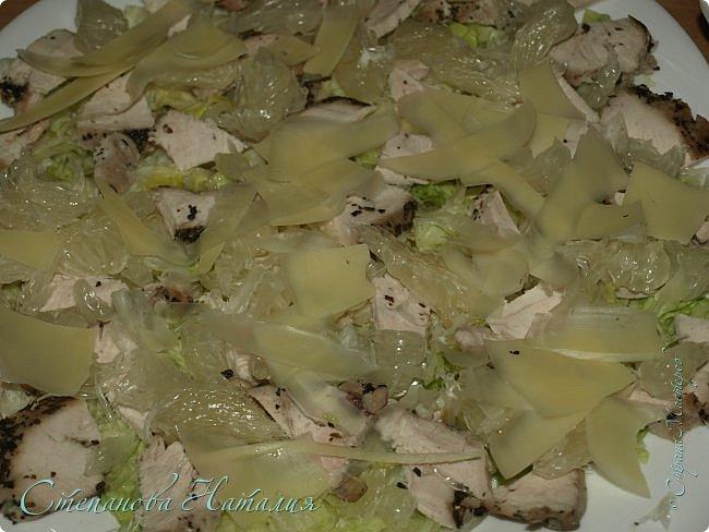 Лето...жара, хочется чего-то лёгкого и полезного. А пожалуйста! Предлагаю несколько салатиков. Первый салат: печеная свекла, салат айсберг, брынза, семечки, растительное масло. фото 2