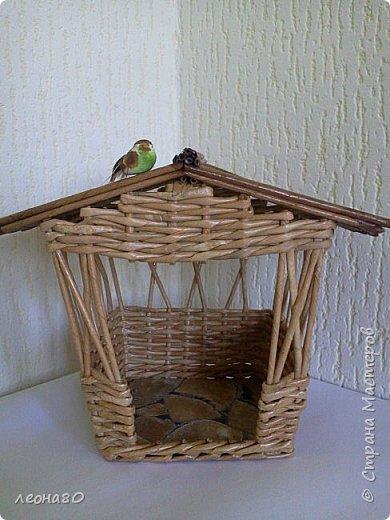 вот такая летняя беседка с птичкой у меня получилась...плела как обычно из офиски, красила ВМ клен и мокко фото 3