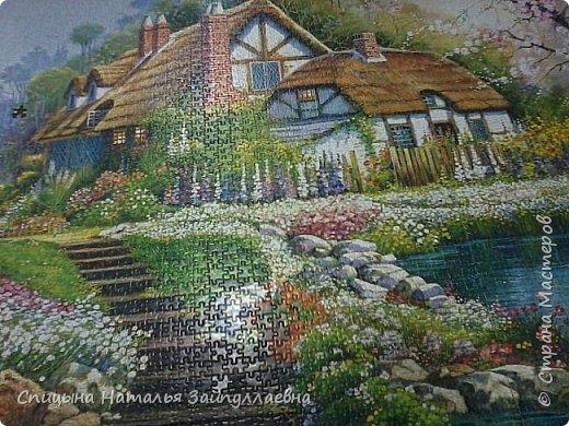В детстве была мозаика. Как хорошо, что сейчас это пазлы. Очень их люблю. Эта картина -3000 штук.