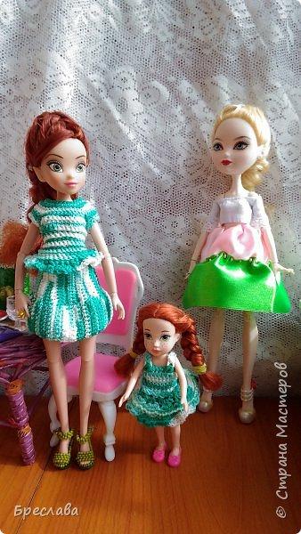 Гертруда, Изабелла и её названная сестра Веснушка устроили чаепитие, правда пили сок. И у меня была возможность их сфотографировать. фото 2