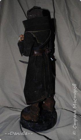 Довелось поиграть в одну потрясающую игру - Dishonored, - главным героем является Корво Аттано. Очень сложный костюм со множеством деталей... да еще и очень необычная для меня деталь - маска. Надо делать) срочно, пока вдохновение не ушло... собственно, вот) фото 3