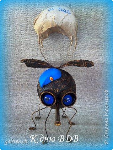 Всем доброго дня. Мне очень понравились мухолёты  Анна Вятская.. http://stranamasterov.ru/node/799594 . Спасибо огромное за идею и МК. Наделала и себе таких чудиков, а к празднику решила нарядить и добавить немного других деталей... фото 1
