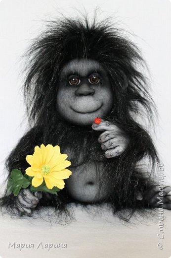 Всем большой привет ! Вот такой горилл у меня на днях родился ))) Очень хотелось сделать чёрную обезьянку ) пересмотрела фото очень много и мой выбор остановился на гориллах ! Очень надеюсь, что мой Гарри Вам понравится ))) фото 4