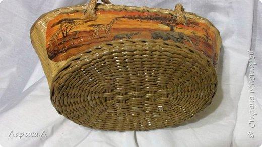 """Сумка """"Африка"""" выполнена в техниках плетения из бумажной лозы и декупаж. Ручки плетеные из шелкового шпагата в 6 нитей.Размеры: низ 27*20 см, верх 39*12 см, высота 21 см. фото 3"""