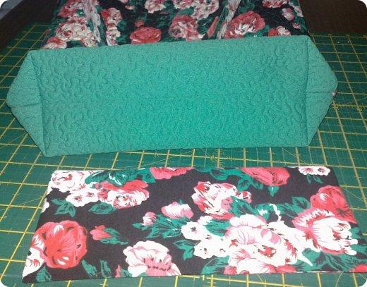 """Одеяло самое простое, как говорят: """"Первый класс, первая четверть"""". Опять """"сломалась"""" схема раскладки квадратов, поэтому по соседству много """"однофамильцев"""". :-))) Одеяло шилось для девочки. Размер одеяла - 150х180 см. фото 7"""