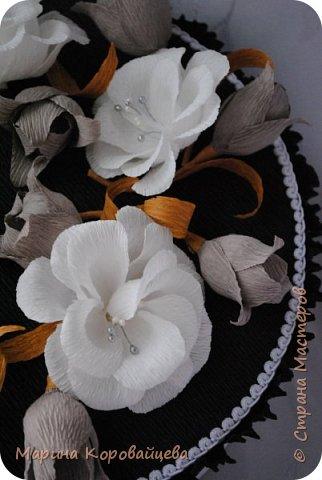 Здравствуйте друзья! Подарок на день рождения сестре мужа. Шкатулка для мелочей и фоторамка. В рамку будет распечатано подходящее фото сестры. Цвета и цветы подобраны специально под интерьер комнаты. фото 6