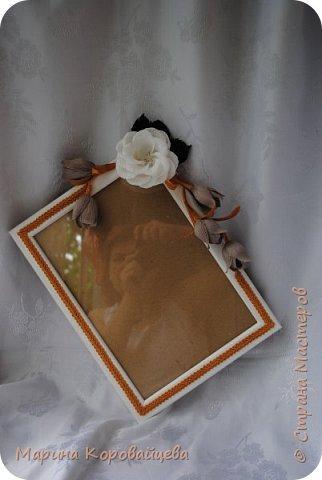 Здравствуйте друзья! Подарок на день рождения сестре мужа. Шкатулка для мелочей и фоторамка. В рамку будет распечатано подходящее фото сестры. Цвета и цветы подобраны специально под интерьер комнаты. фото 2