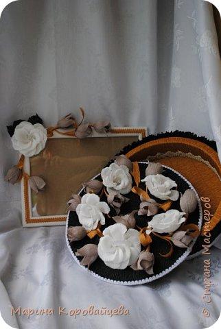 Здравствуйте друзья! Подарок на день рождения сестре мужа. Шкатулка для мелочей и фоторамка. В рамку будет распечатано подходящее фото сестры. Цвета и цветы подобраны специально под интерьер комнаты. фото 3