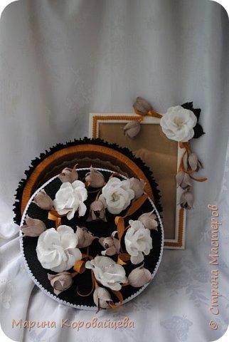 Здравствуйте друзья! Подарок на день рождения сестре мужа. Шкатулка для мелочей и фоторамка. В рамку будет распечатано подходящее фото сестры. Цвета и цветы подобраны специально под интерьер комнаты. фото 1