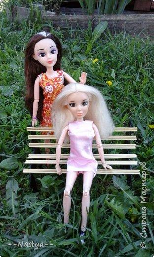 Привет!На выходных я решила взять кукол с собой в деревню и пофотографировать их.Вот что из этого вышло... фото 4