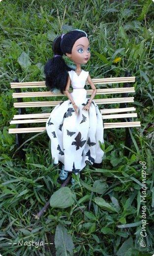 Привет!На выходных я решила взять кукол с собой в деревню и пофотографировать их.Вот что из этого вышло... фото 8