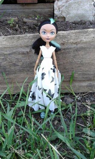 Привет!На выходных я решила взять кукол с собой в деревню и пофотографировать их.Вот что из этого вышло... фото 9