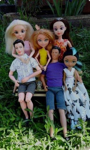 Привет!На выходных я решила взять кукол с собой в деревню и пофотографировать их.Вот что из этого вышло... фото 1