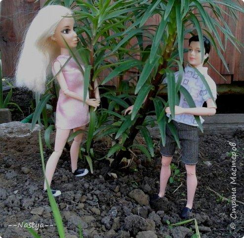 Привет!На выходных я решила взять кукол с собой в деревню и пофотографировать их.Вот что из этого вышло... фото 23