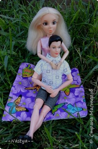 Привет!На выходных я решила взять кукол с собой в деревню и пофотографировать их.Вот что из этого вышло... фото 24