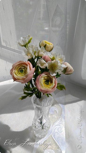 Букетик из садовых лютиков и жасмина. Полимерная глина. фото 3