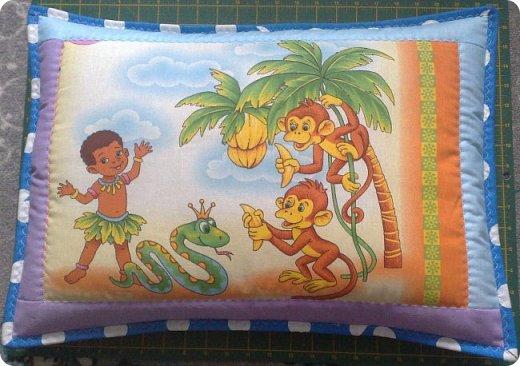"""Одеяло самое простое, как говорят: """"Первый класс, первая четверть"""". Опять """"сломалась"""" схема раскладки квадратов, поэтому по соседству много """"однофамильцев"""". :-))) Одеяло шилось для девочки. Размер одеяла - 150х180 см. фото 16"""