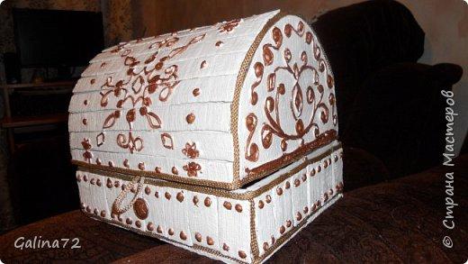 Сундук из деревянных линеек фото 3