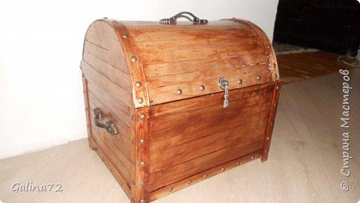 Сундук из деревянных линеек фото 1