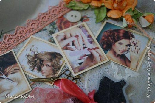 Всем доброго здравия! и это опять я  с новой открыткой. Открытка для моей приятельницы, она моя парикмахер и маникюрщица. И еще она хорошая портниха, но заказы не берет, не хватает на это времени. Я давно хотела ей сделать открытку с манекеном. И вот сделала, совместив все ее профессии в одной открытке. Хотя талантов у нее намного больше, чем три. фото 9