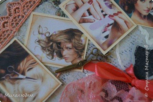 Всем доброго здравия! и это опять я  с новой открыткой. Открытка для моей приятельницы, она моя парикмахер и маникюрщица. И еще она хорошая портниха, но заказы не берет, не хватает на это времени. Я давно хотела ей сделать открытку с манекеном. И вот сделала, совместив все ее профессии в одной открытке. Хотя талантов у нее намного больше, чем три. фото 16