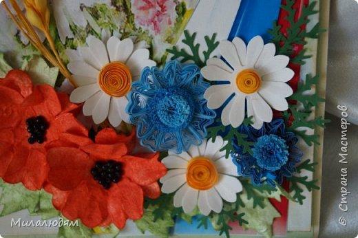 """Всем привет! Доброго здравия и процветания! Давно хотела сделать открытку с Российский триколором. Прошлый год прошляпила шлешмоб в СМ. А нынче я решила для каждой участницы нашего ансамбля """"Сударушка"""" сделать открытки к Дню рождения. А у одной из них день рождения 12 июня, в День России. Вот и родилась у меня такая открытка. Мне нравится, а как понравится Людмиле Васильевне не знаю. фото 15"""