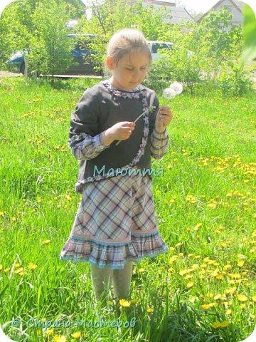"""Не могу удержаться, чтоб не сшить доче новый наряд в стиле бохо. Мне кажется, что она создана именно для этого стиля. Никакие джинсы, шорты и проч. нам не подходят так, как эти удлиненные платья, сарафаны и """"странные"""" жакетики. Комплект из платья с длинным рукавом и жакета. фото 3"""