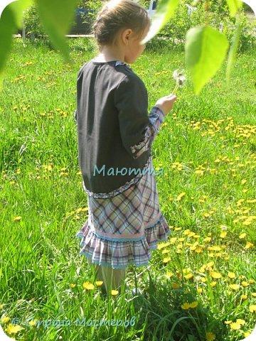 """Не могу удержаться, чтоб не сшить доче новый наряд в стиле бохо. Мне кажется, что она создана именно для этого стиля. Никакие джинсы, шорты и проч. нам не подходят так, как эти удлиненные платья, сарафаны и """"странные"""" жакетики. Комплект из платья с длинным рукавом и жакета. фото 4"""