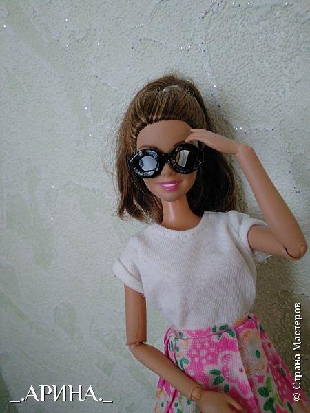 Всем привет! Несколько недель назад мне пришла в голову и осуществилась мысль о том, что нужно своей куклене сделать очки, вот теперь делюсь с вами) фото 12