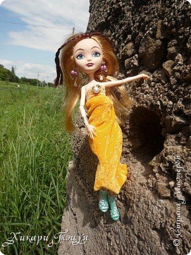 Здравствуйте, я - Алекса. Полностью мое имя звучит - Александра. Расскажу вам немного о себе: - мне 16 лет; - мои хобби - рисование и музыка, а еще я очень люблю читать; - музыкой я занимаюсь давно, учусь играть на разных инструментах и петь; - еще мне нравиться делать что-то своими руками; - немного знаю балет; - мои любимые цвета - все оттенки голубого и синего, а также светлые пастельные тона; - мои любимые цветы - это цветки вишни, особенно сакуры; - люблю все миленькое и маленькое; Не знаю, может я что и упустила, но ведь не это важно, правда?  Это мое новое платье, а то платье, что было на мне раньше, мягко говоря, не очень))) фото 12