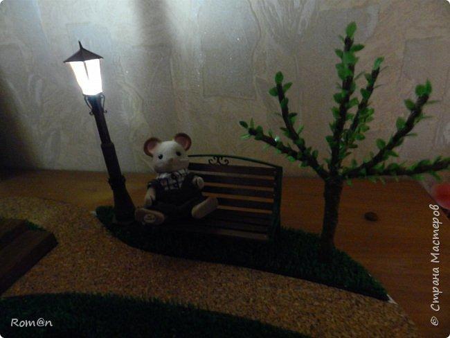Добрый день жители Страны Мастеров.Представляю вам часть работы дома-тыквы,уличный фонарь и дерево,скамейку вы уже видели.Это небольшой скверик перед домом-тыквой. фото 44