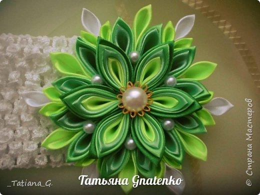 Повязочка с ярким цветком. фото 1