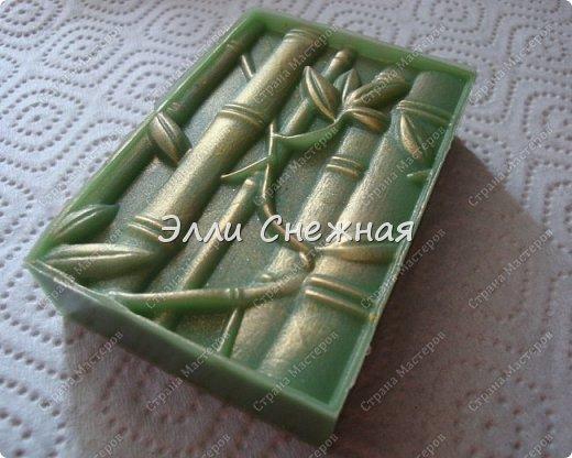 Очень нравится делать мыло с текстурными листами - получается невероятно красиво, хоть в цвете, хоть однотонное. фото 4