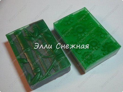 Очень нравится делать мыло с текстурными листами - получается невероятно красиво, хоть в цвете, хоть однотонное. фото 5
