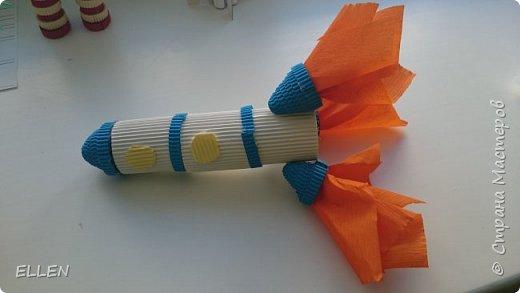 """Добрый день!  Хочу показать вам работы дошкольников на тему """"Космос"""". Работы были сделаны к конкурсу, посвященному Дню космонавтики! фото 7"""